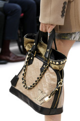 2009-fall-louis-vuitton-handbag-collection.jpg