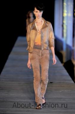 Кожаные куртки весна 2011 на фото